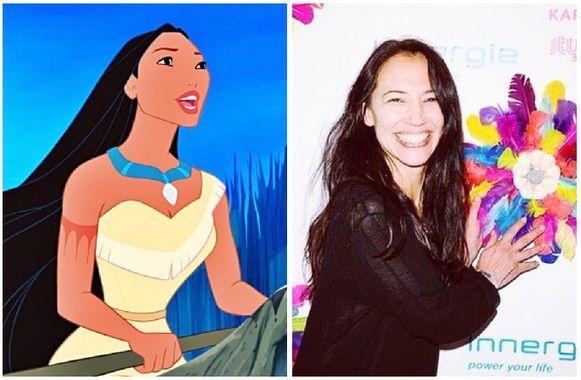 Irene Bedard sprak de stem van Pocahontas in.
