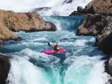 Kajakker valt tientallen meters van waterval in Chili