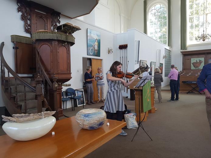 De hervormde kerk in Fijnaart was voor het eerst decor van de Kunst- en Cultuurroute Moerdijk