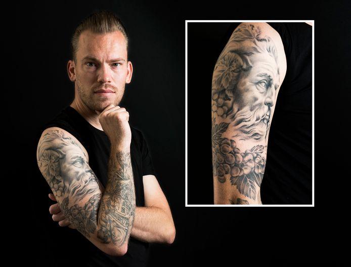 Topkok Ollie Schuiling heeft  culinaire tattoos op zijn arm.