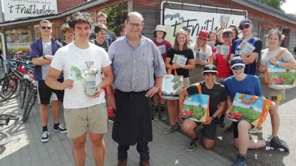 Winkel met herbuikbare tas in 't Fruithalleke en steun lokale jeugdverenigingen