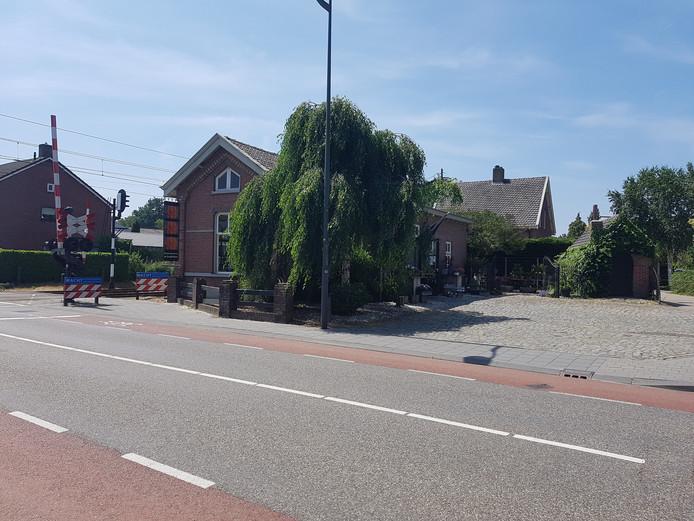 Bloemenboetiek De Goudsbloem verdwijnt na 30 jaar uit het oude stationsgebouw van Bosschenhoofd.