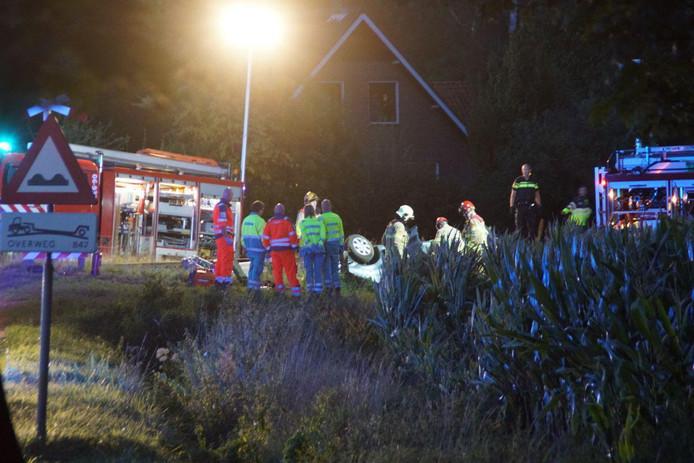 Hulpdiensten ter plaatse bij het ongeval.
