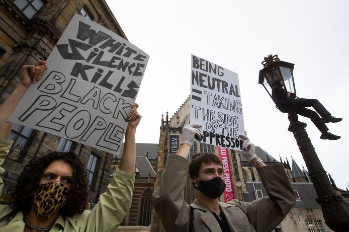 Het protest op de Dam in Amsterdam van maandag was drukker dan gedacht, in Arnhem proberen ze veiligheid voorop te stellen.