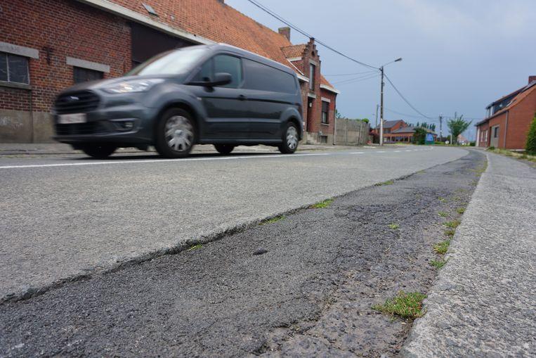 De Torhoutstraat in Kortemark heeft de afgelopen jaren tal van oplapwerken ondergaan, maar een grondige heraanleg staat nu op de planning.