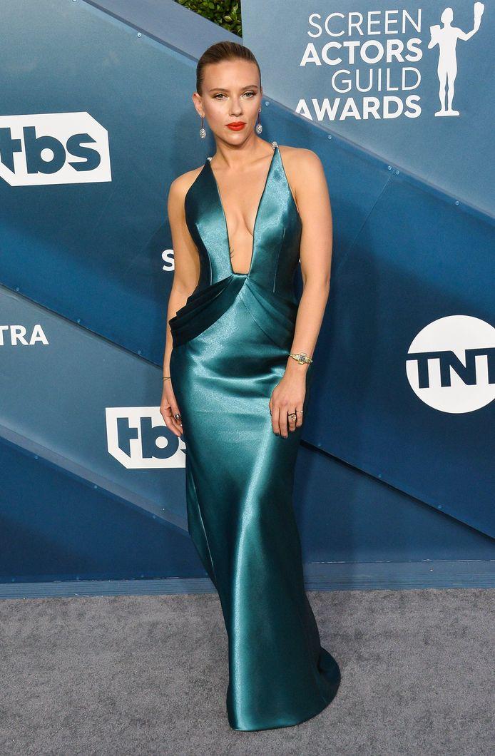 Scarlett Johansson avait opté pour une robe sirène en satin.