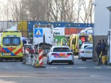 Scooterrijder gewond bij aanrijding met vrachtwagen