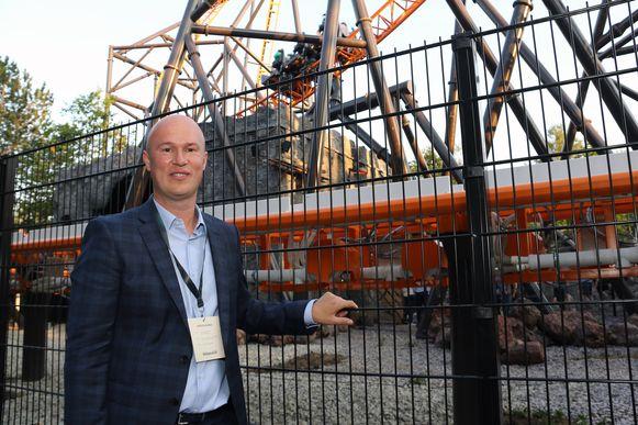 Directeur Yves Peeters van Bobbejaanland is fier de nieuwste attractie aan het grote publiek te mogen voorstellen.