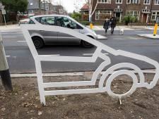 Nieuwe variant van silhouet duikt op in Breda: auto die oversteker waarschuwt