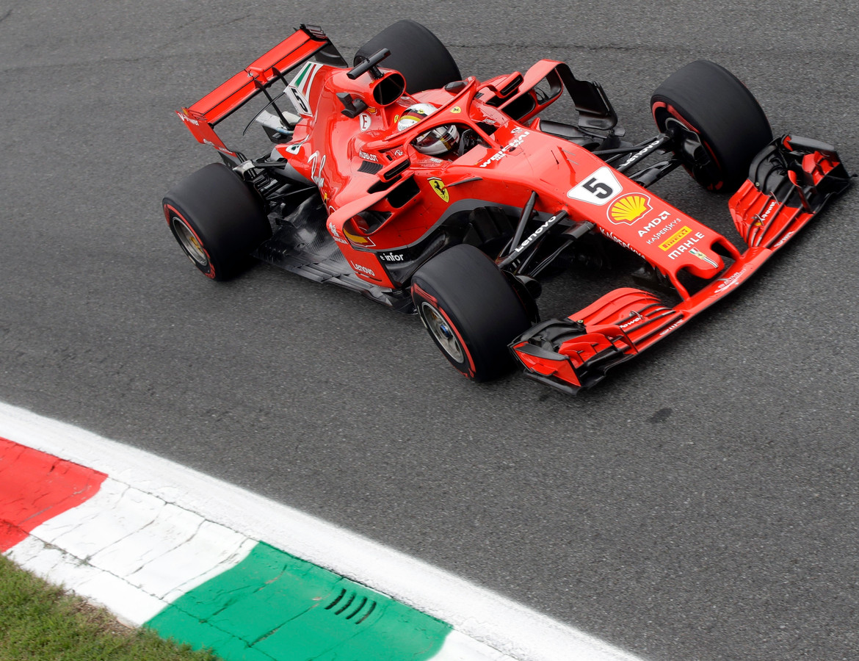 Sebastian Vettel tijdens de vrije training in Monza.
