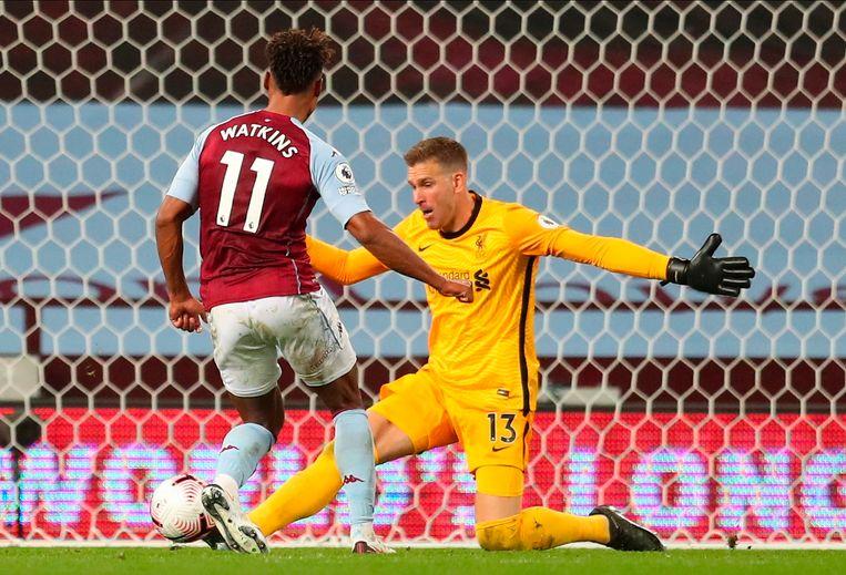 Keeper Adrian van Liverpool moet een doelpunt van Ollie Watkins van Aston VIlla toestaan. Beeld EPA