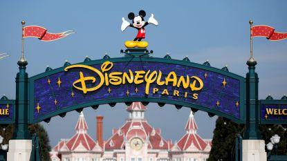 Reisbus in panne, dus nemen 50 leerlingen de taxi naar Disneyland Parijs 400 kilometer verder
