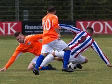 Arnhemse voetballers aarden niet in Elst en stappen op