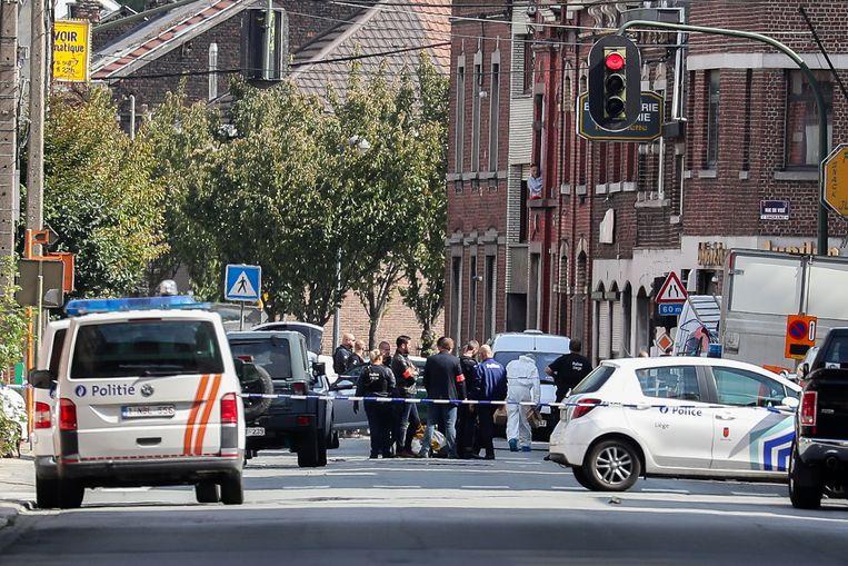 De Luikse politieagent raakte zwaargewond bij een schietpartij drie weken geleden.
