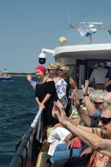 Ouderen en zieken genieten van tochtje tussen de Bruse mosselvloot