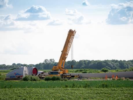 Bedreigingen maakt ook windmolenbouwers in Dedemsvaart voorzichtig