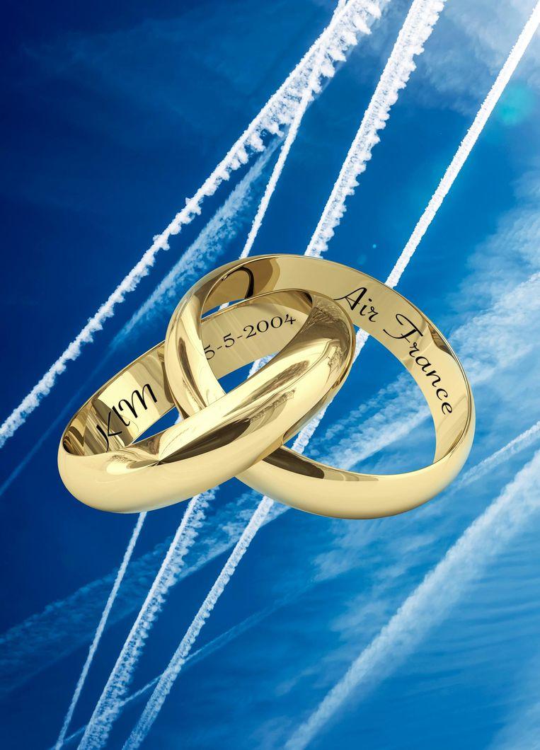 Na de 'fusie' tussen Air France en KLM, waarbij KLM voor 784 miljoen wordt overgenomen, gaat Air France-KLM op 5 mei 2004 naar de Amsterdamse beurs. Beeld Rein Janssen