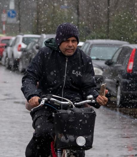 Zomertijd begint zondag met winterse temperaturen: 'Binnen blijven wordt een stuk gemakkelijker'