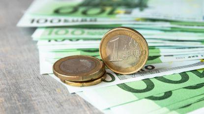 Uitgerekend: zoveel kost het je baas als jij 100 euro opslag krijgt