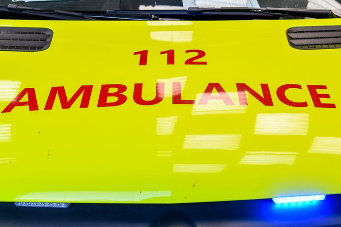 De 52-jarige man werd zwaargewond overgebracht naar het ziekenhuis van Tielt.