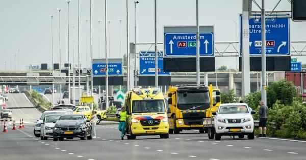A2 bij Utrecht weer vrij na ongeval.