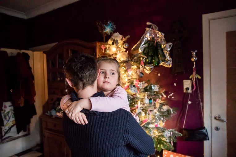 Evy en Cor gaan niet zo een leuke kerst tegemoet.