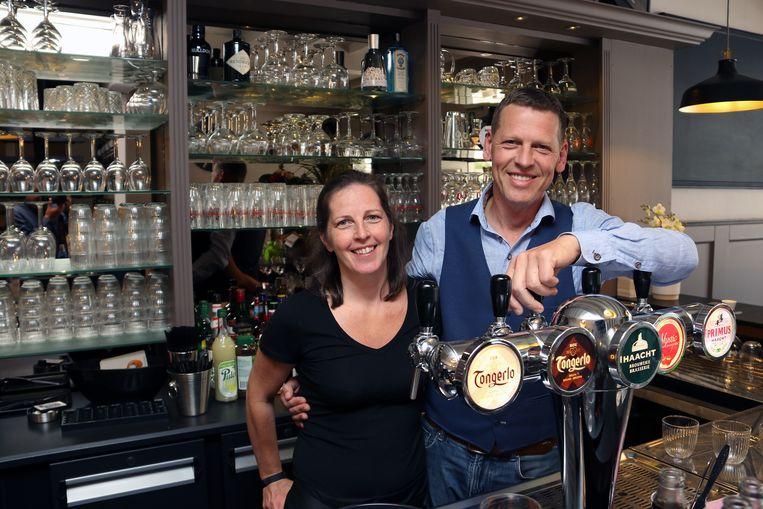 Dirk Bastiaensen en zijn echtgenote Cindy Melis zijn de nieuwe uitbaters van het Tamboerke op de Grote Markt in Turnhout.
