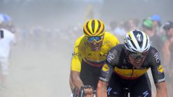"""Belgen doen hun verhaal na helse tocht over kasseien: """"Zag me al met mijn armen in de lucht over de finish komen"""""""