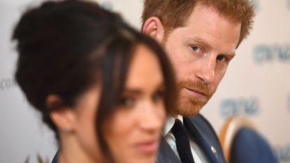 """Vlucht naar Amerika dreigt financieel drama te worden voor Harry en Meghan: """"Als de prins aan zijn kapitaal moet zitten, kan het snel op zijn"""""""
