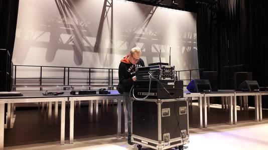 Het podium voor het Liekusfist in Schijndel wordt deze woensdag al opgebouwd in 't Spectrum.