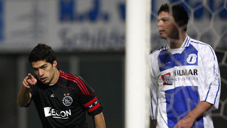 Luis Suarez juicht na weer een doelpunt van Ajax. Suarez was met zes doelpunten de meest trefzekere man bij de Amsterdammers. Foto ANP Beeld