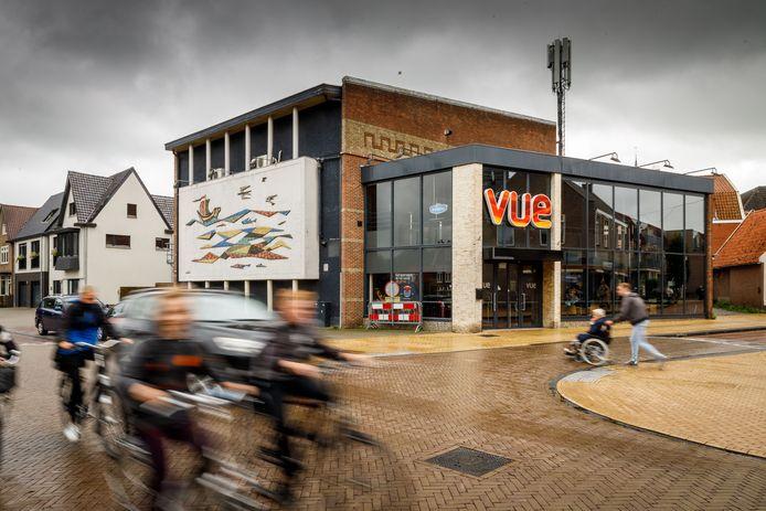 Albert Jan Vos acht het niet haalbaar om een nieuwe bioscoop te beginnen in het oude Vue Cinemas in Steenwijk. Hij schat de benodigde investering voor de verbouwing op 650.000 tot zelfs 1 miljoen euro.