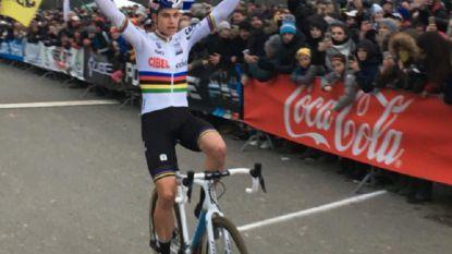KOERS KORT. Intussen in Frankrijk: Van Aert wint met bijna twee minuten voorsprong - Alvarado de beste in Brussels Universities Cyclocross