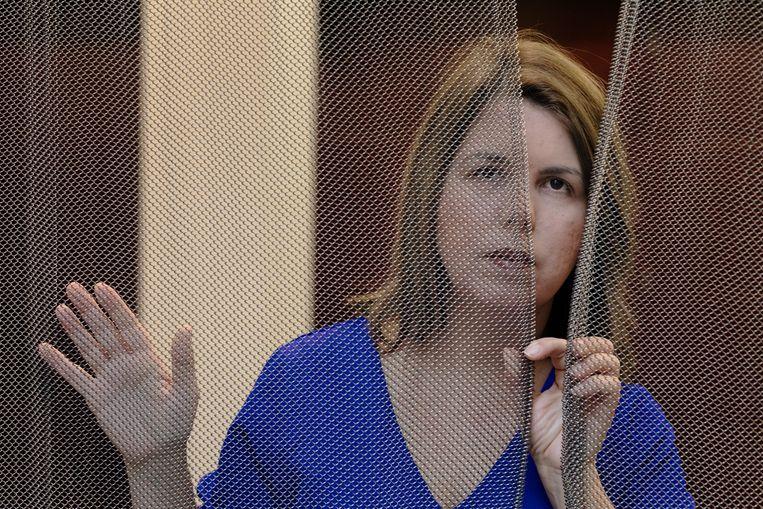 Journaliste Beatriz Adrian woont tijdelijk in Den Haag. Ze is gevlucht uit Venezuela nadat zij door het regime van Maduro was opgepakt. Beeld Inge Van Mill