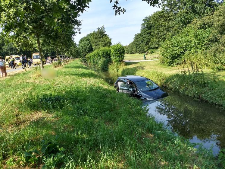 Meisje van 14 jaar overleden na botsing in Wassenaar