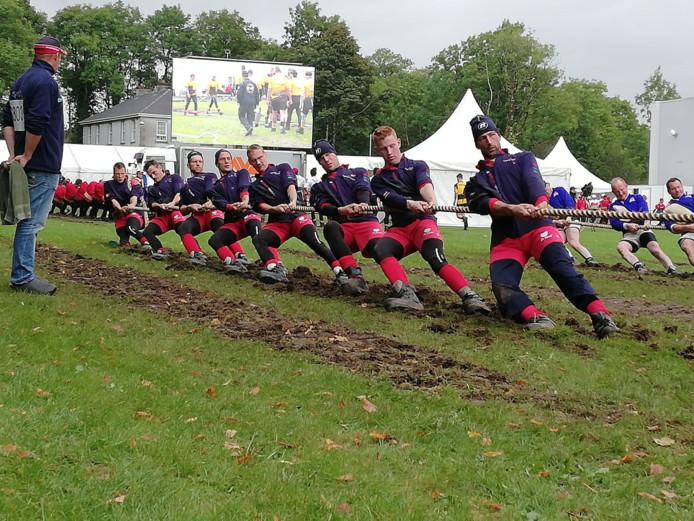 De mannen uit Woudenberg in actie.