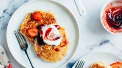Genieten maar! Ontbijten met pannenkoeken kan ook zo