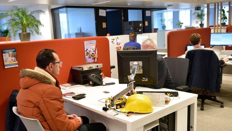 Een werkzoekende bij de VDAB in de Brusselse Astrotoren.