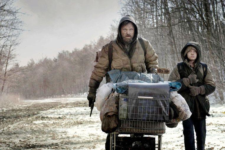 Viggo Mortensen (links) in The Road (2009). Beeld