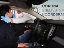 Eerst ijsjes, nu corona-sneltests in drive through aan de ringbaan in Tilburg