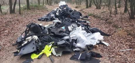 Grote dumping van auto-onderdelen in Deurne