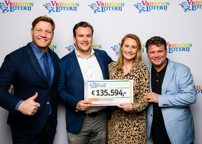 De jeugdopleiding van Vitesse kan meer dan 135.000 euro tegemoet zien van de Vriendenloterij.