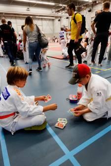 800 judoka's uit zes landen niet in de zon, maar op de mat