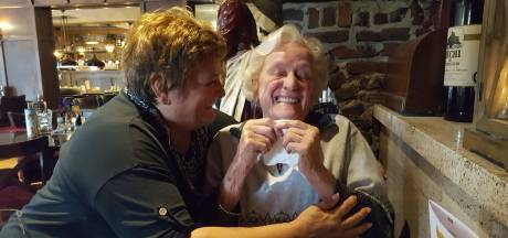 Yvonne Nolte doet aangifte tegen verpleeghuis: 'Waarom mocht ik niet met mama een ijsje eten?'