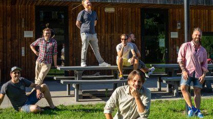 Als school De Tandem vakantie induikt, opent daar zomerbar Peloeze