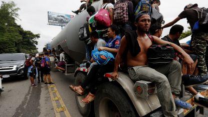 Mexicaanse politie pakt tientallen in vrachtwagen verstopte migranten op