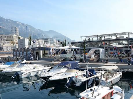 Hotspot in Monaco: de partyboot van Red Bull