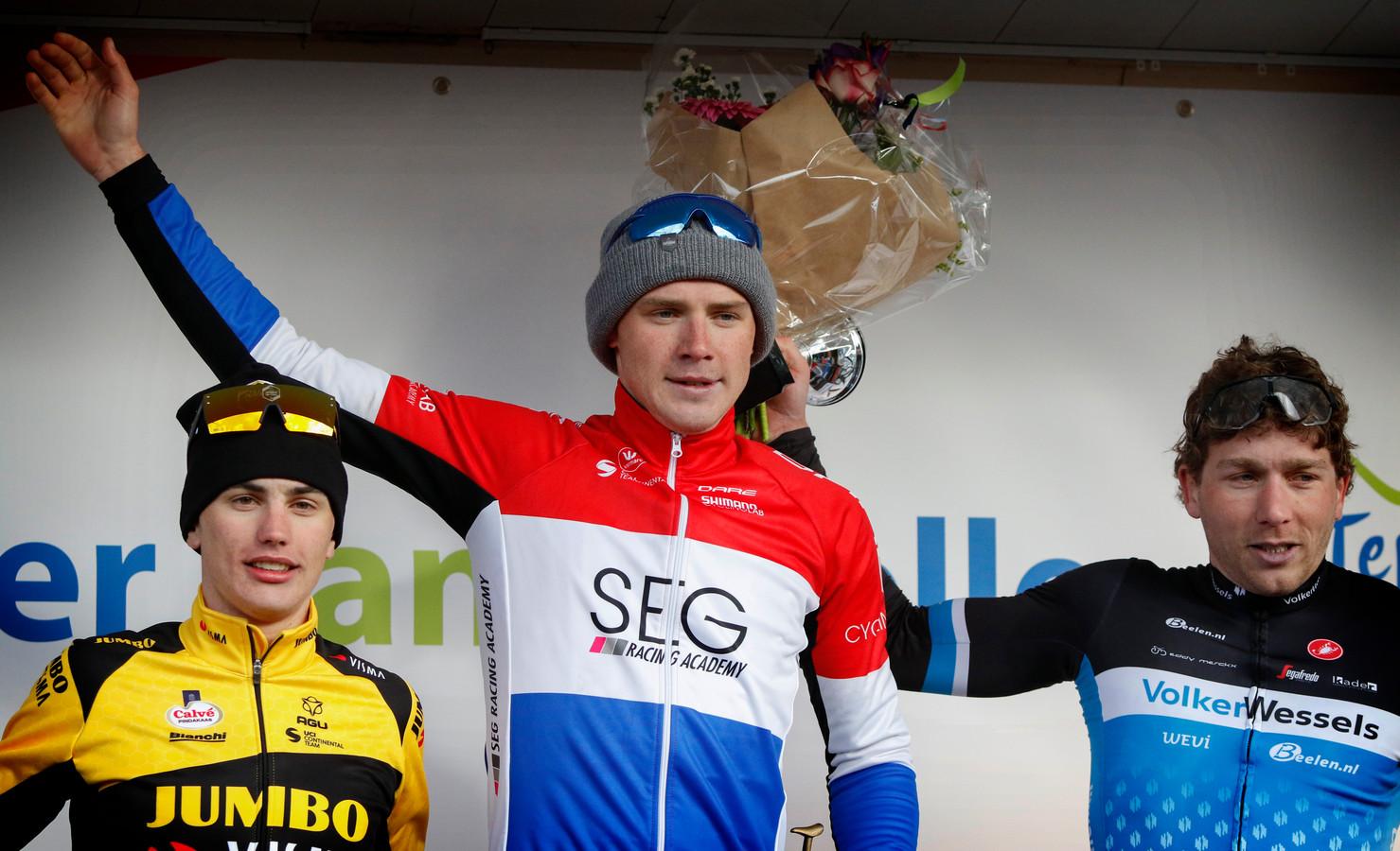 Met Coen Vermeltfoort op het podium van de Ster van Zwolle begon de wielerploeg van Allard Engels vorig jaar met een ereplaats.