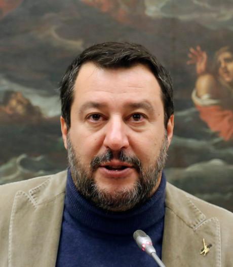 """Salvini visé par le mouvement de protestation des """"sardines"""" qui prend de l'ampleur"""