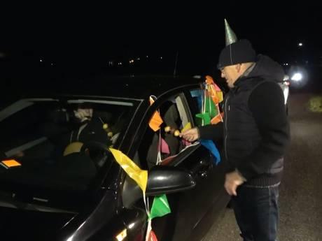 Geen kegelavond, wel een drive by verjaardag voor 68-jarige Herman